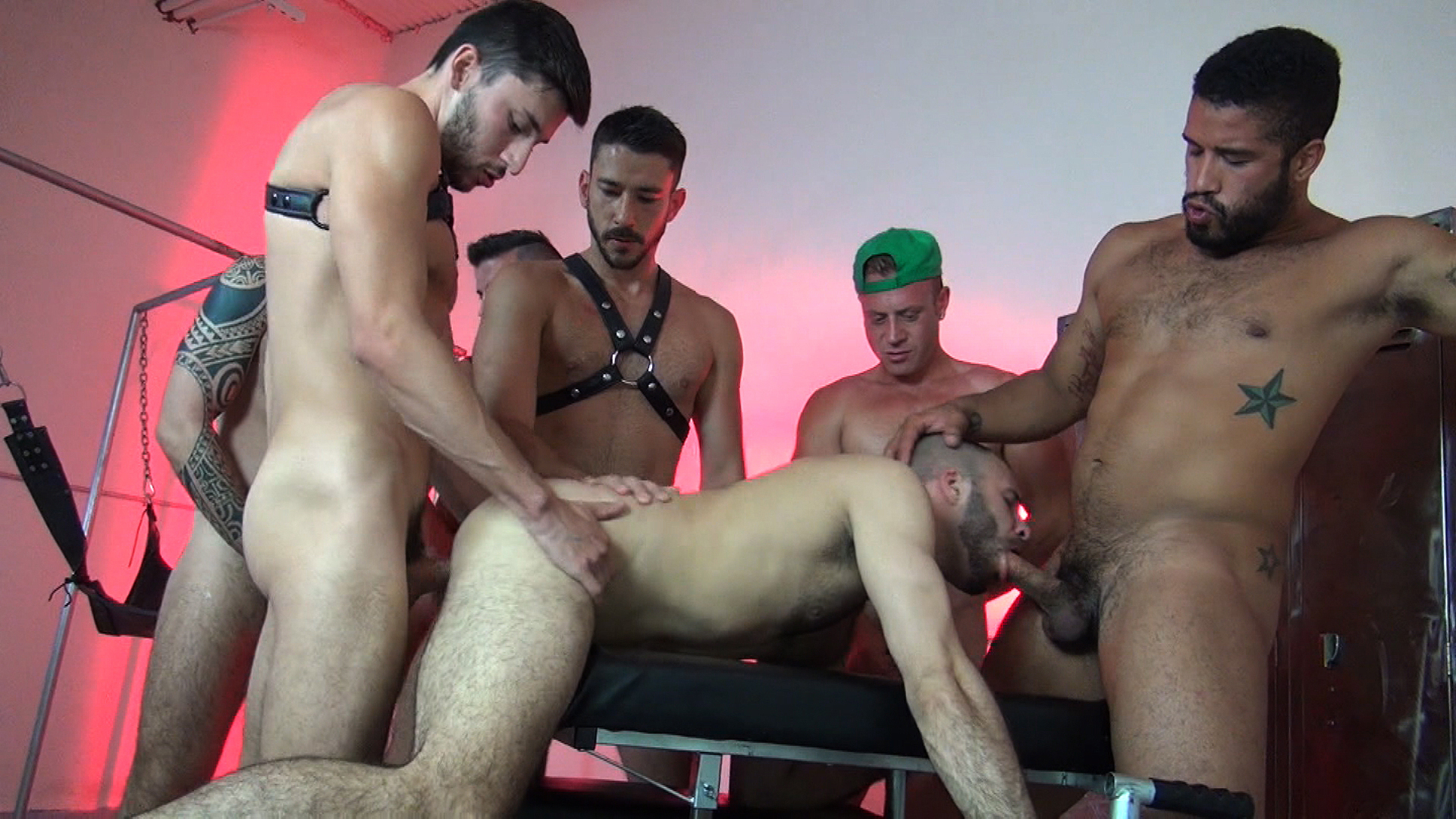 Bareback Orgy with Braxton Smith