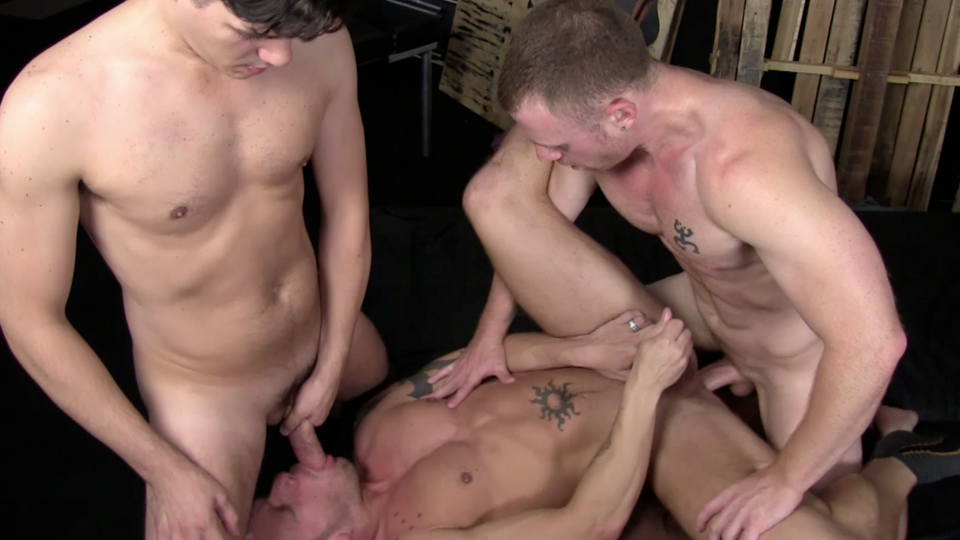Saxon West, Chris Tyler and Shane Frost Gay Bareback