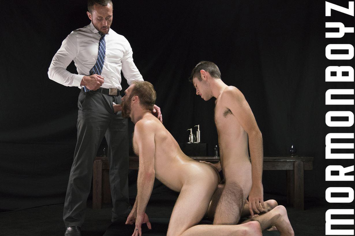 Three Gay Mormons Have Barebacks Sex