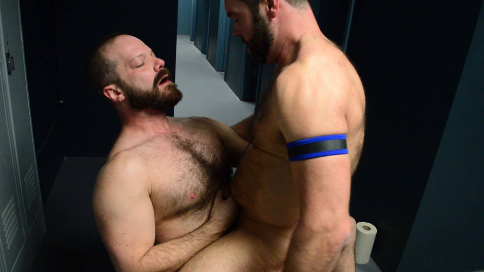 Bears Bareback: Topher Phoenix, MuscleBull and Coach Zev