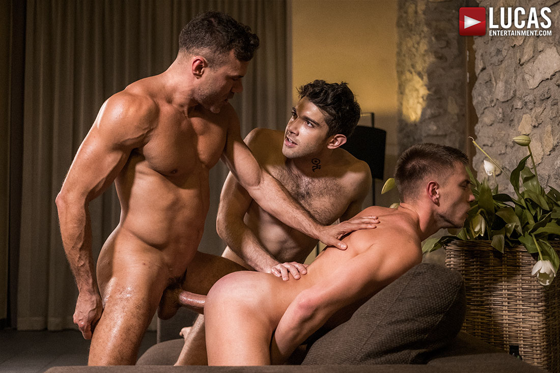 Daddy Manuel Skye Fucks Ben Batemen and Bogdan Gromov