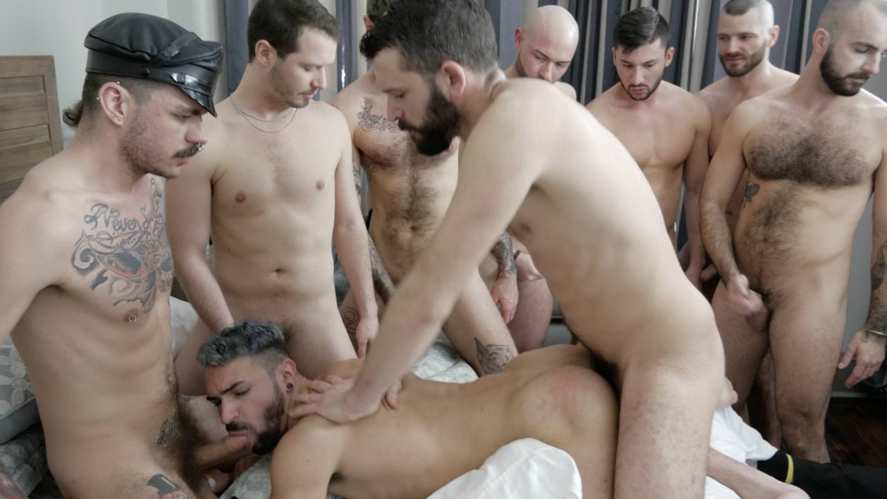 Ian Greene: Bareback Gangbang – Part 1