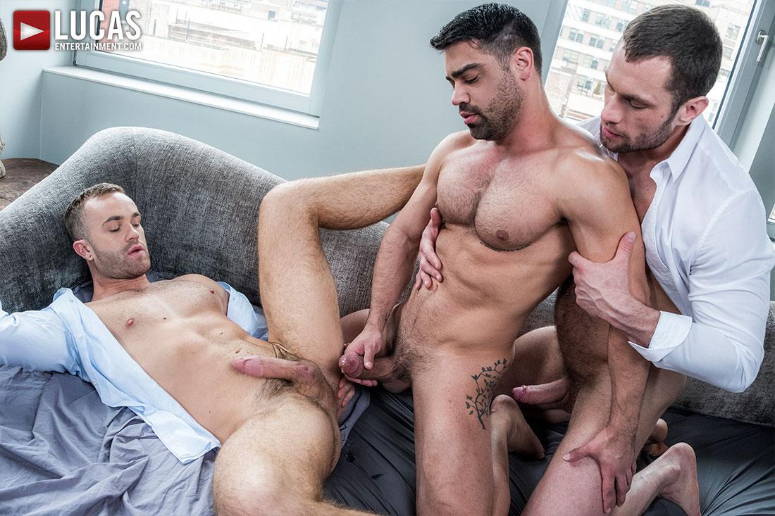Stas Landon, Jackson Radiz and Wagner Vittoria - Bareback Threesome