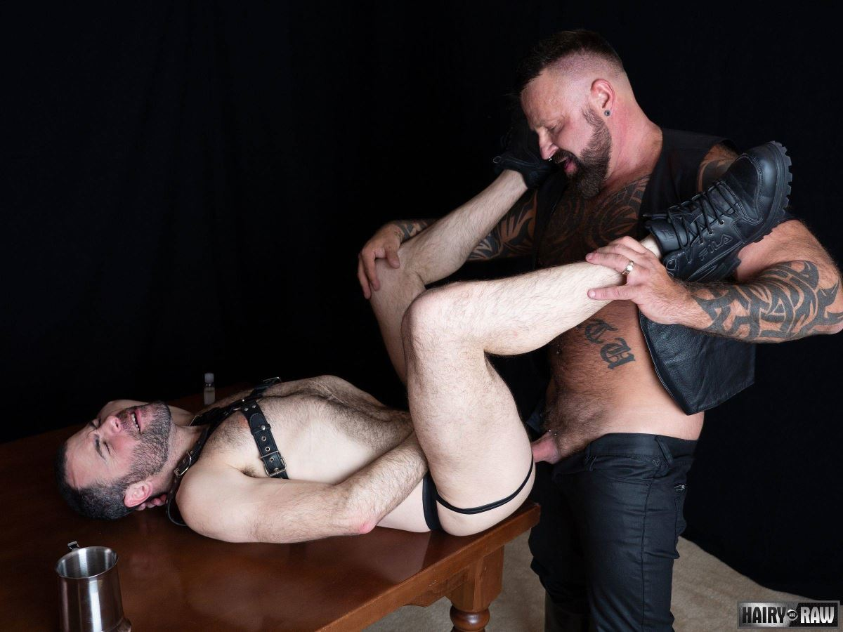 Leather Pig Marc Angelo Fucks Dusty Williams