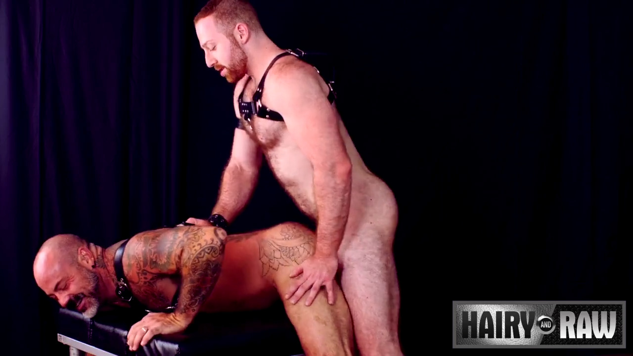 Bareback And Leather: Sean Knight and Scotty Rage