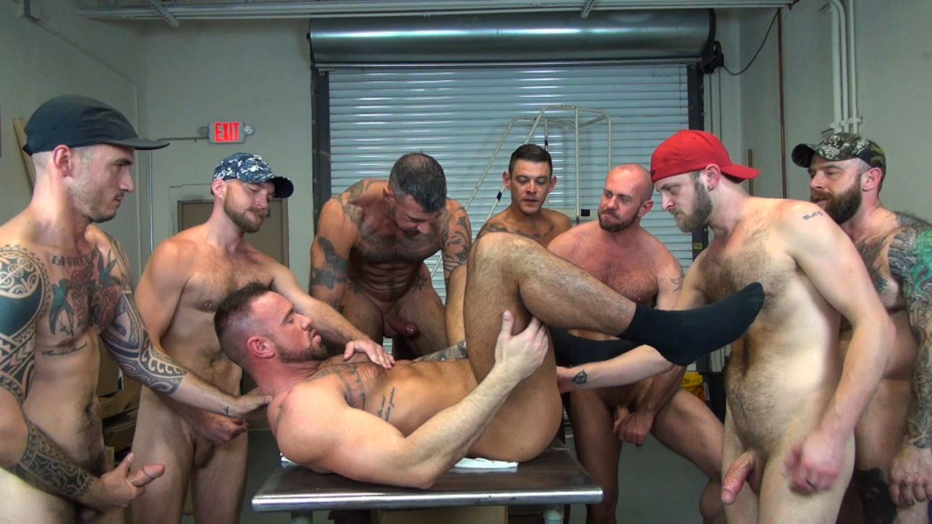 Michael Roman – Gay Bareback Orgy: Part 2