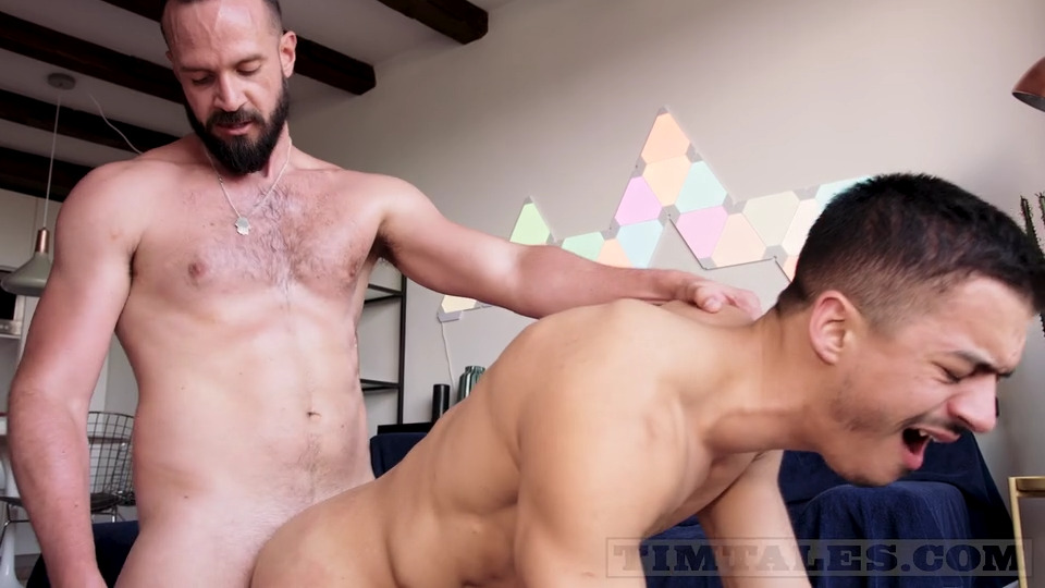Andy Onassis Pushes His Giant Member Into Jonathan Miranda's Ass 1