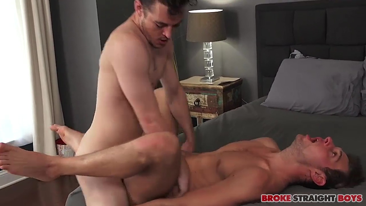 Bobby Owens Slides His Raw Cock In John Henry 1