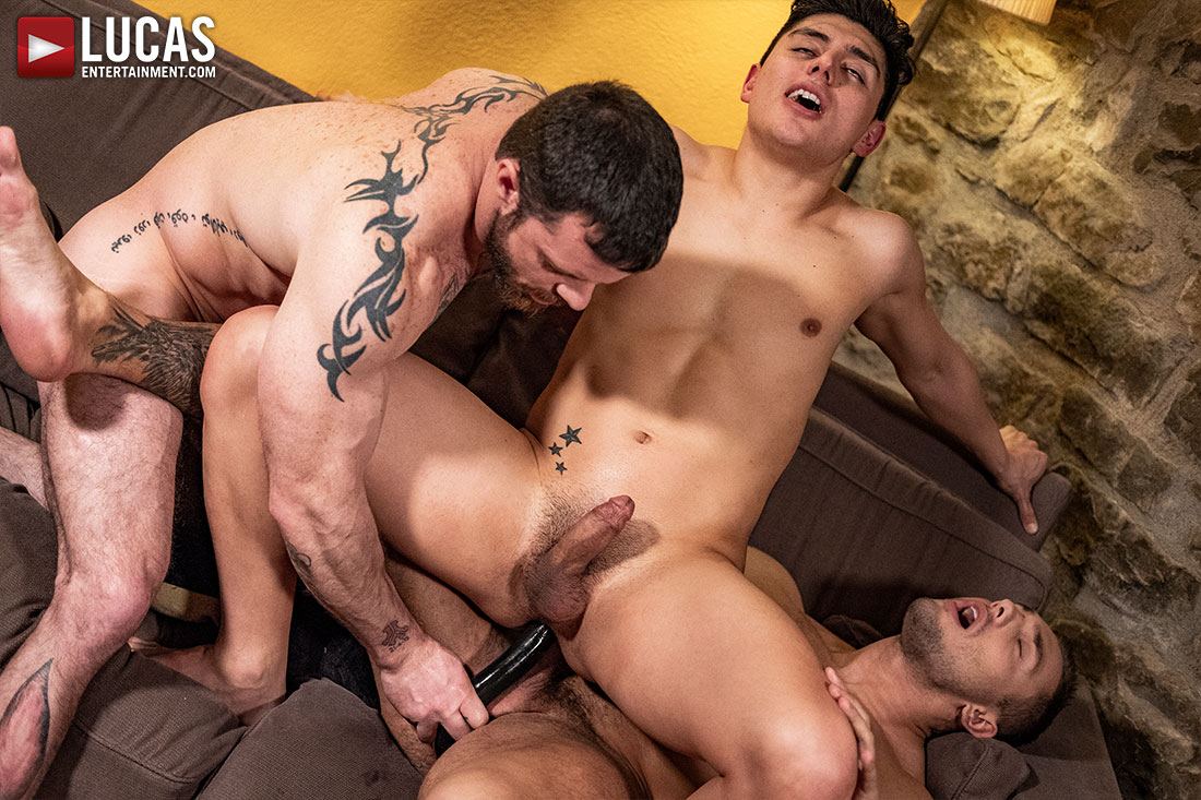 Ken Summers Enjoys Dildos And Raw Fucking 1