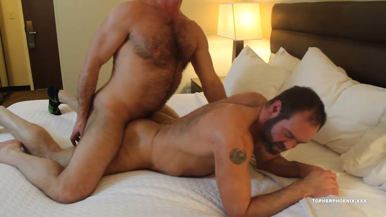 MuscleBull Takes Topher Phoenix Raw