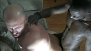 Max Duran fucked bareback by Peter O Conner