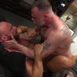 Muscle Bear Liam Fucks Killian Knox